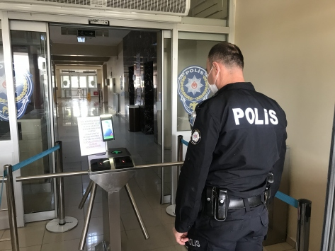 Yozgat Emniyet Müdürlüğünde kameralı Kovid-19 kontrolü
