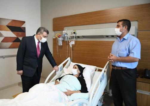 Sağlık Bakanı Fahrettin Kocadan Adanada hastane ziyareti