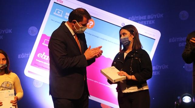 Sivasta 5 bin öğrenciye tablet dağıtılacak