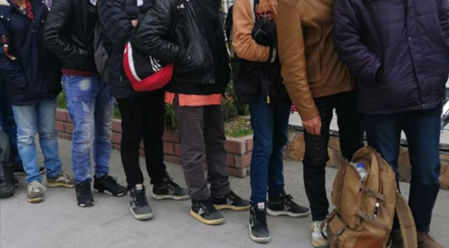 Bitliste 40 düzensiz göçmen yakalandı