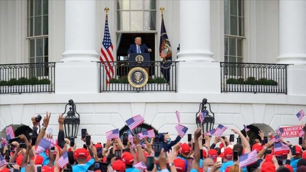 Trump, COVID-19a yakalanmasının ardından ilk kez bir etkinliğe katıldı