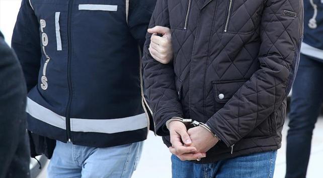 İstanbulda tartıştığı eşini öldüren kişi polise teslim oldu