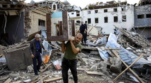 Ermenistan Gencedeki sivilleri orta menzili balistik füzeyle vurdu