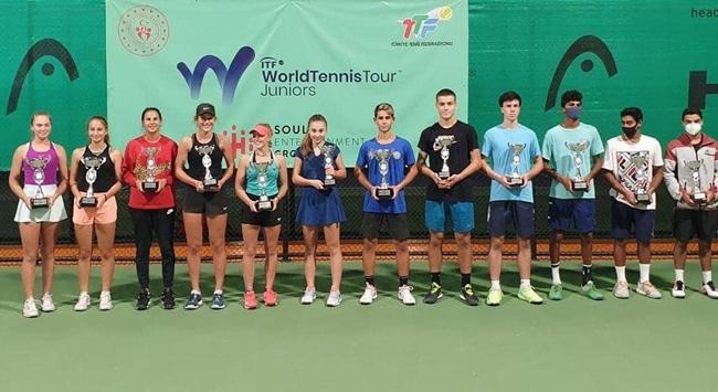 Genç tenisçilerden 3 şampiyonluk, 1 ikincilik