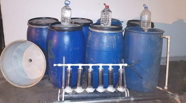Adanada 1500 litre sahte içki ele geçirildi