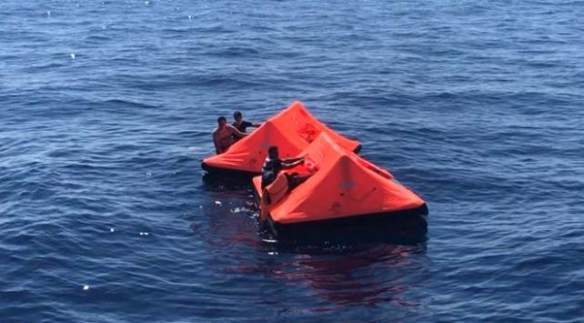İzmirde Türk kara sularına bırakılan 25 sığınmacı kurtarıldı