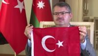 Türk çiftten Azerbaycan'a duygulandıran destek
