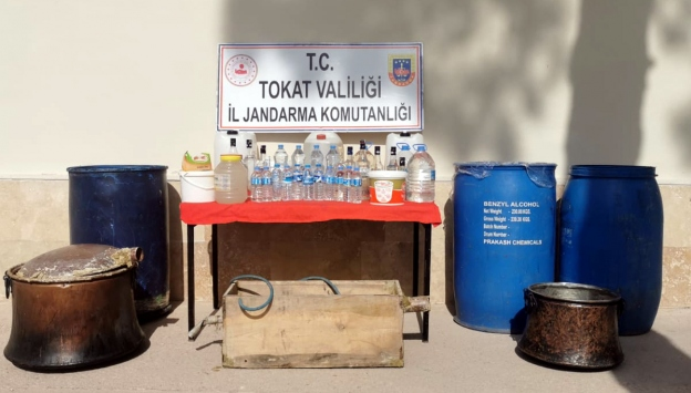Tokatta 580 litre sahte içki ele geçirildi
