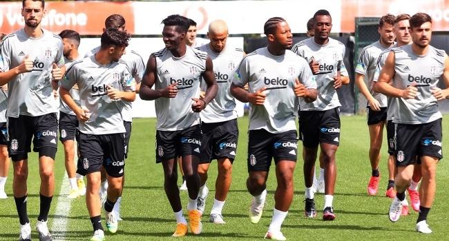 Beşiktaş 4 futbolcuya lisans çıkarmadı