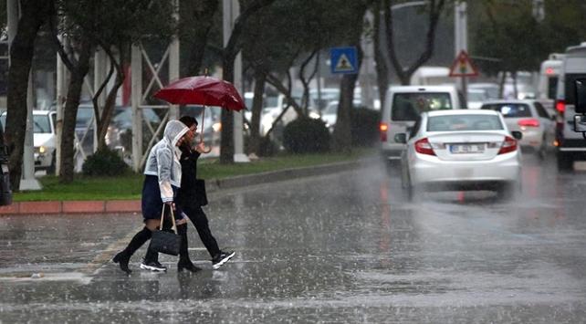 Yağışla birlikte sıcaklıklar düşecek