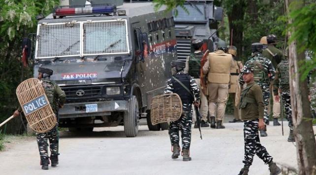 Cammu Keşmirin gözaltındaki eski Başbakanı serbest bırakıldı