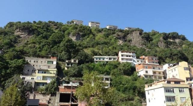 Trabzonda kaya tehlikesi: 10 ev boşaltıldı