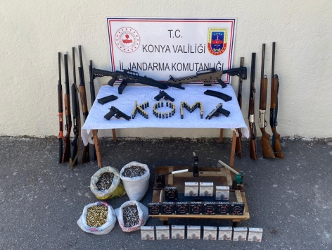 Konyada jandarmanın operasyonunda 11 ruhsatsız av tüfeği ele geçirildi