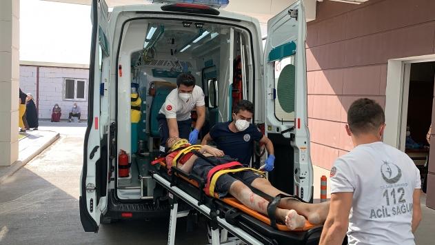 Adıyamanda devrilen bisikletteki 2 kişi yaralandı