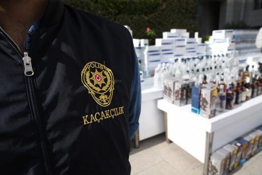 İstanbulda kaçak sigara ve sahte içki operasyonunda 4 kişi yakalandı