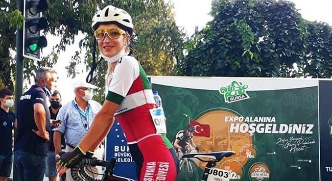 Antrenman yaparken kamyon çarpan bisiklet sporcusu hayatını kaybetti