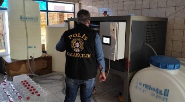 İstanbulda 6 tona yakın etil alkol ele geçirildi