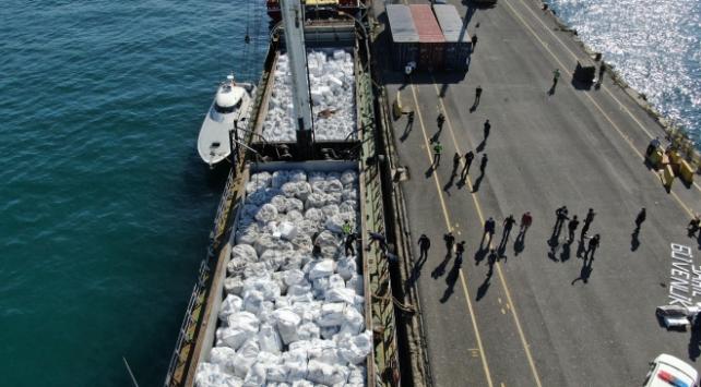 İstanbulda gemiye operasyon: 3 milyona yakın kaçak sigara ele geçirildi