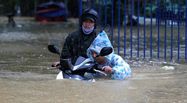 Vietnamdaki sellerde can kaybı 40a ulaştı