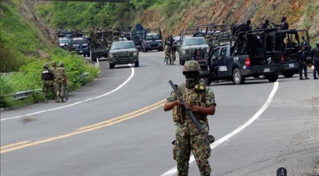 Meksikada polisle çatışan 6 çete üyesi öldürüldü