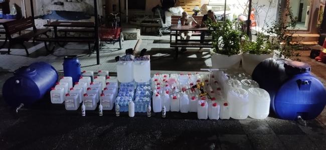 İzmirde sahte içki imalathanesine dönüştürülen eve operasyon: 3 gözaltı