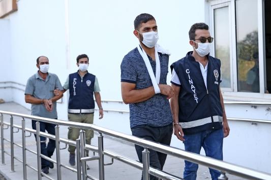Adanada 2 aile arasındaki silahla kavgada 5 kişi yaralandı, 1 zanlı tutuklandı