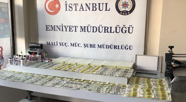 İstanbulda sahte döviz operasyonu: 151 bin 600 dolar ve 33 bin euro ele geçirildi