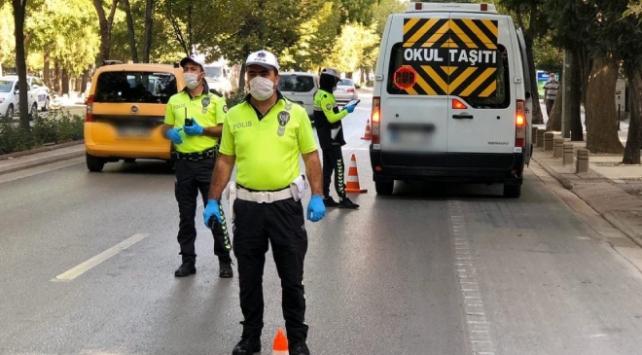 Konyada 22 araç ve sürücüye 8 bin lira ceza kesildi