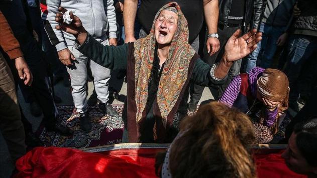 Ermenistanın füze ile öldürdüğü siviller son yolcuğuna uğurlandı