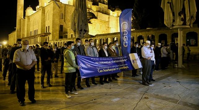 Ermenistanın saldırısında ölen siviller için gıyabi cenaze namazı kılındı