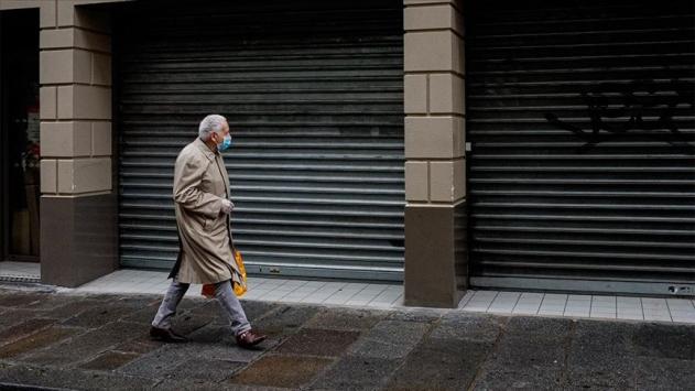 Fransada günlük vaka sayısındaki rekor artışlar devam ediyor