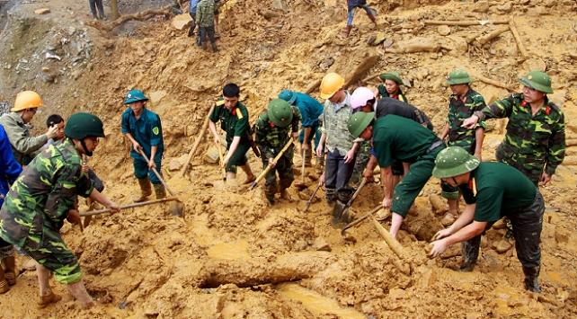 Vietnamda toprak kayması: 3 ölü, 22 kayıp