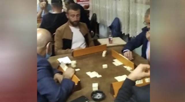 İstanbulda kumar oynatılan kıraathaneye operasyon