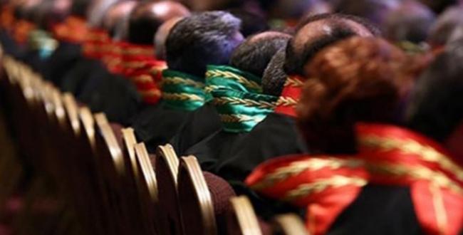 FETÖ ile iltisaklı 11 hakim ve savcı meslekten ihraç edildi
