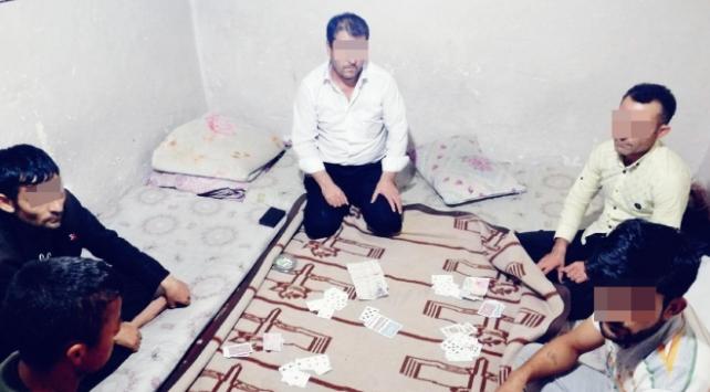 Erzincanda evde kumar oynayan 6 kişiye para cezası