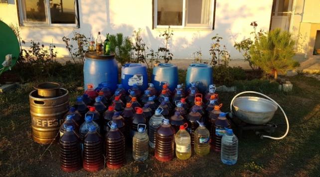 Tekirdağda bir evde 586 litre kaçak içki ele geçirildi