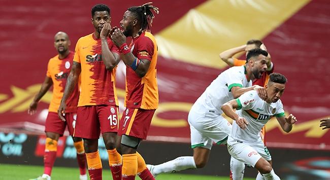 Galatasarayda galibiyet hasreti 4 maça çıktı