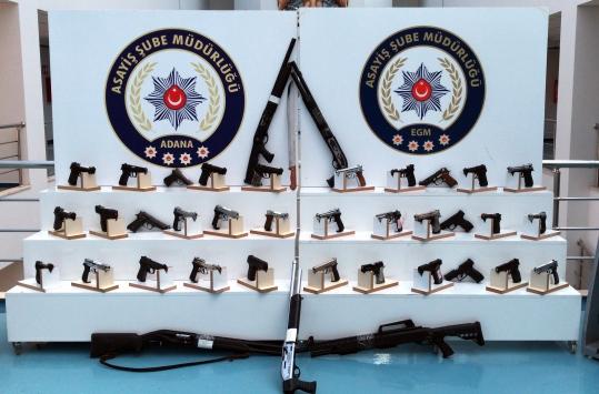 Adanada çeşitli suçlardan aranan 257 kişi yakalandı