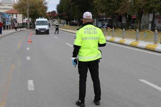 Taksi ve minibüs şoförleri Kovid-19 tedbirleri denetiminden memnun