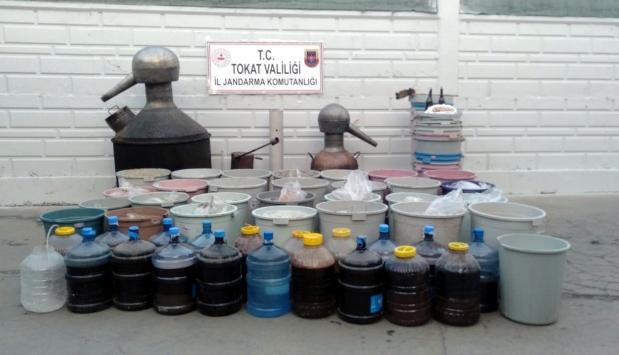 Tokatta 2 bin 580 litre sahte içki ele geçirildi