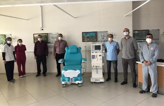 Manisalı hayırsever aile, diyaliz hastaları için hastaneye cihaz bağışladı