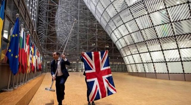 AB ile İngiltere arasındaki görüşmeler tıkandı
