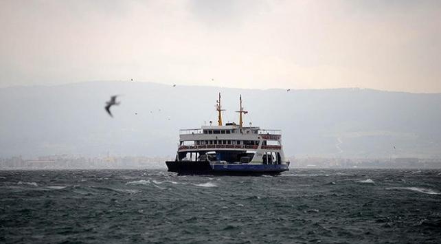 Gökçeadada bazı feribot seferlerine fırtına engeli