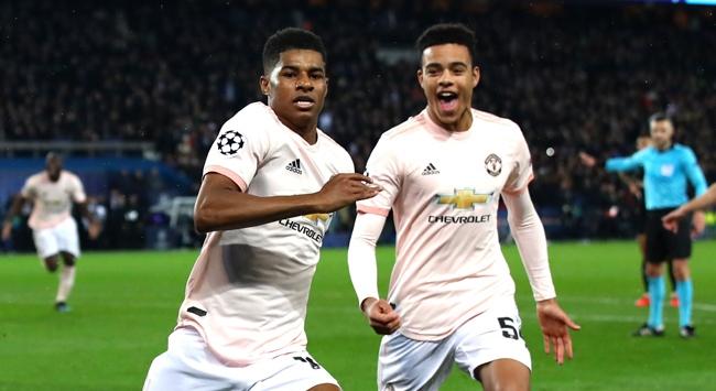 Manchester United Fransada kazandı