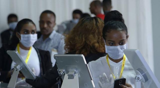 Güney Afrika Cumhuriyetinde COVID-19 vaka sayısı 706 bini aştı