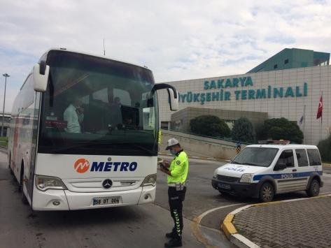 Doğu Marmara ve Batı Karadenizde toplu ulaşım araçlarında sosyal mesafe denetimi yapıldı