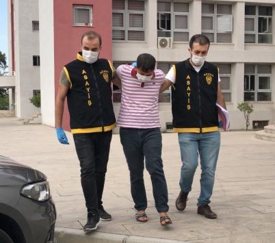 Adanada, morgda cenaze bekleyen çiftin otomobilindeki külçe altınlar çalındı
