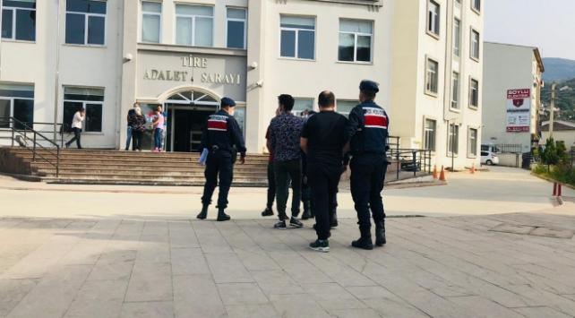 İzmirde uyuşturucu operasyonu: 4 gözaltı