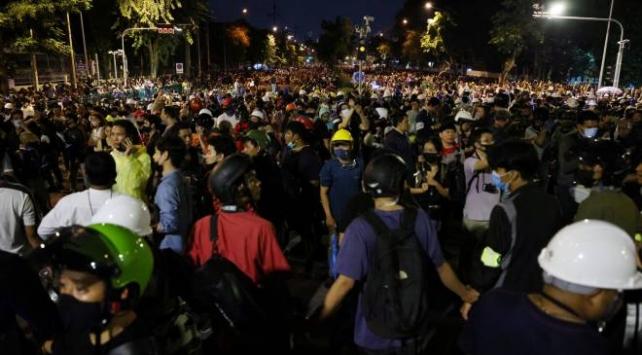 Taylandda OHAL kararı kaldırıldı