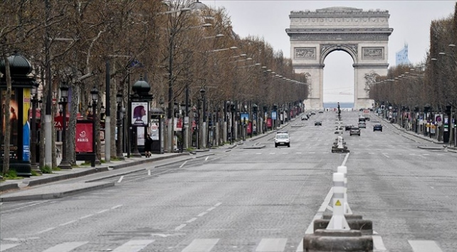 Fransada sokağa çıkma yasağı genişletildi